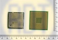 65. Процессор на зеленом текстолите с радиатором (маленький)
